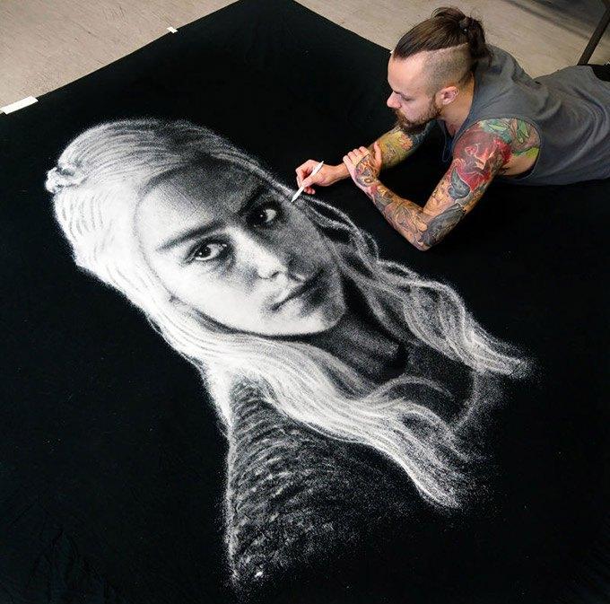 Incredible-and-stunning-Daenerys-Targaryen-Portrait-Using-Salt